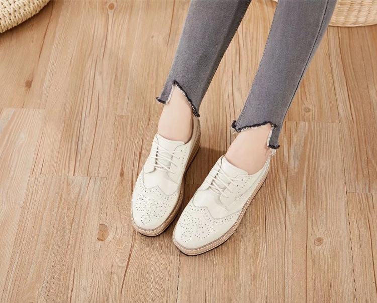 Giày Thời Trang Thể Thao Đế Bệt Dày Dành cho Nữ ,  Nhãn hiệu: 17afternoon .