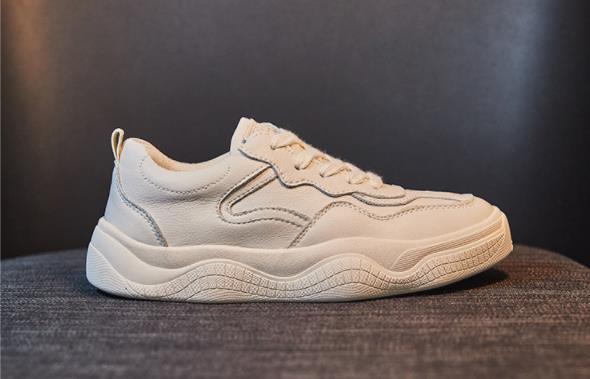 Giày Sneakers Thể Thao màu Trắng dành cho nữ   .