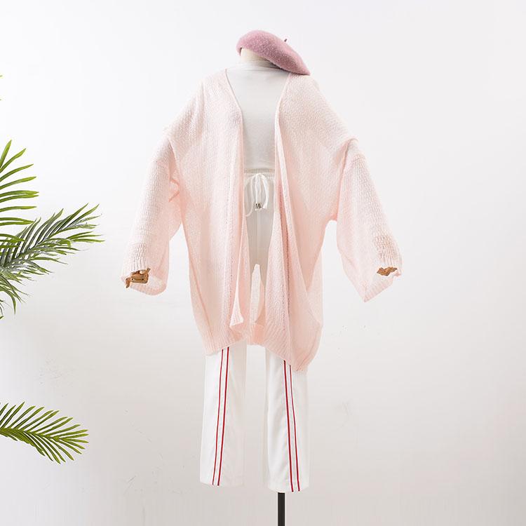 Áo khoác mỏng vải ren hồng kiểu dáng nhẹ nhàng và bắt mắt
