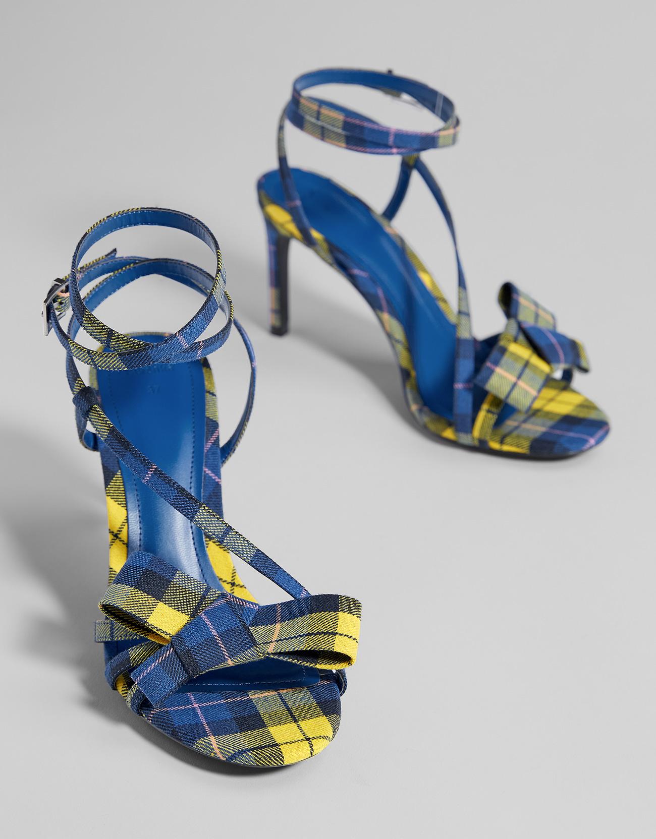 Giày sandal cao gót nữ sọc caro nhiều màu sắc , Thương Hiệu : Bershka