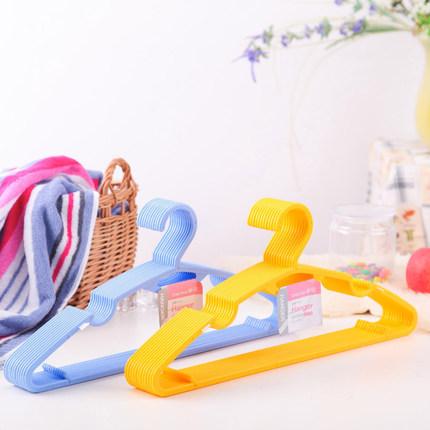 Móc quần Áo bằng nhựa đa chức năng cho gia đình bạn .