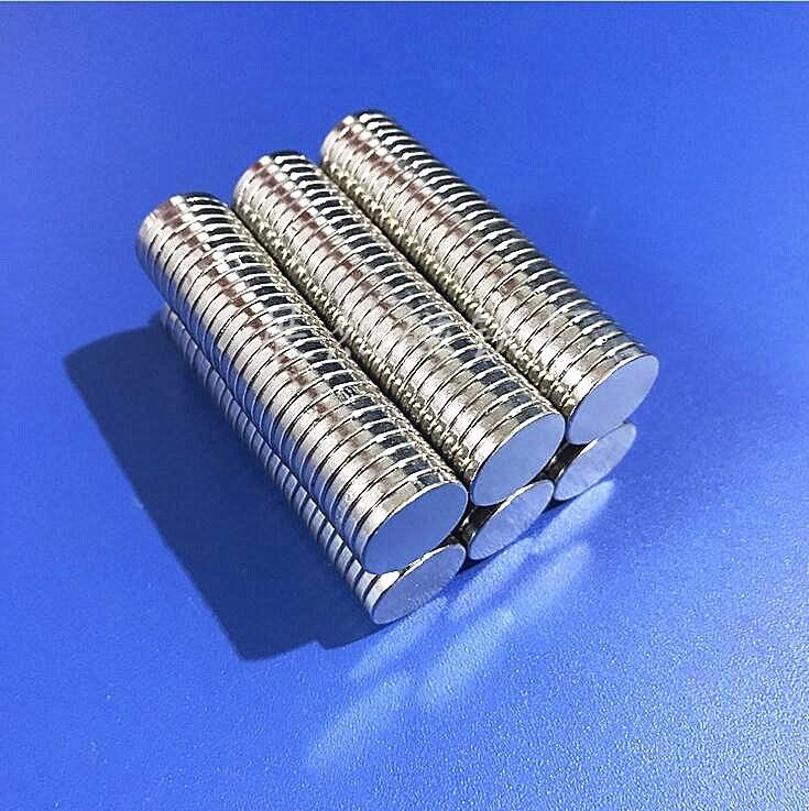 Sắt từ Các nhà sản xuất cung cấp nam châm tròn 3 * 1.5 4 * 1.5 5 * 1.5 6 * 1.5 8 * 1.5 và các thông