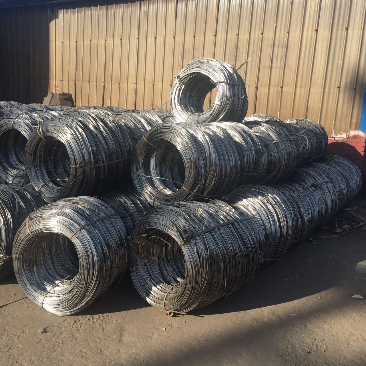 Dây kim loại Nhà máy dây trực tiếp 8-22 dây sắt mạ kẽm dây thép mạ kẽm dây đứt dây cường độ tùy chỉn