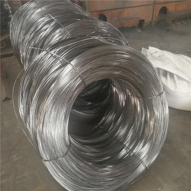Dây kim loại Nhà máy trực tiếp chất lượng 1.5-8.0mm dây rút nguội kim loại q235 dây thép dự ứng lực