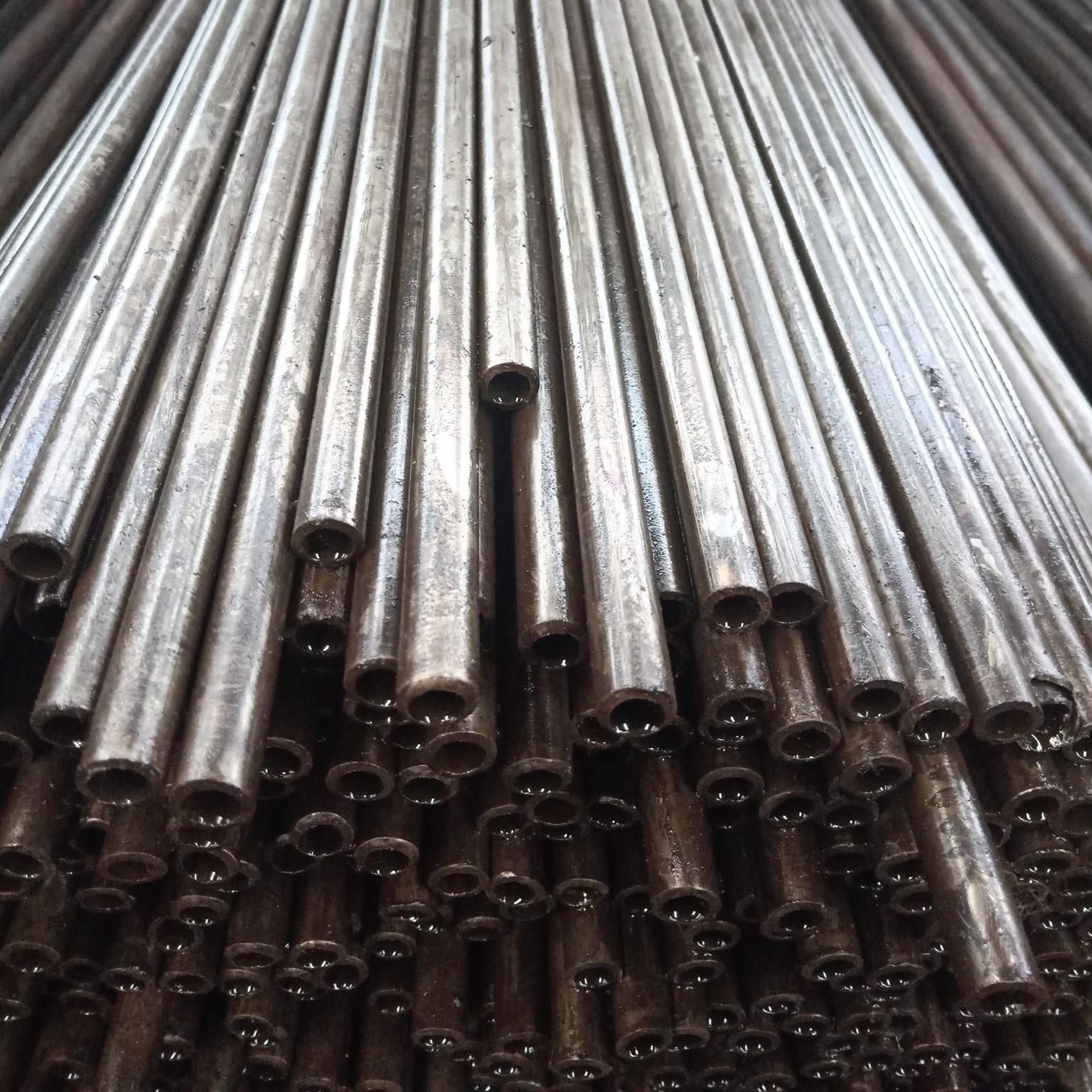 Ống đúc Các nhà sản xuất ống thép chính xác 45 # ống thép chính xác liền mạch chính xác thứ 45