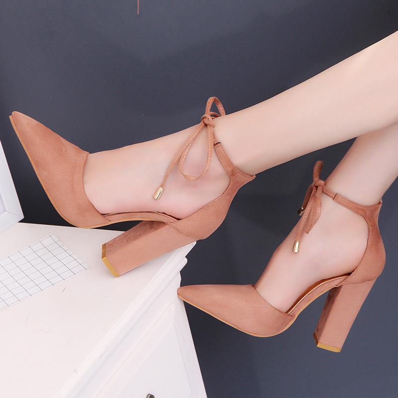 Giày Nữ cao gót mũi nhọn chất liệu vải nhung .