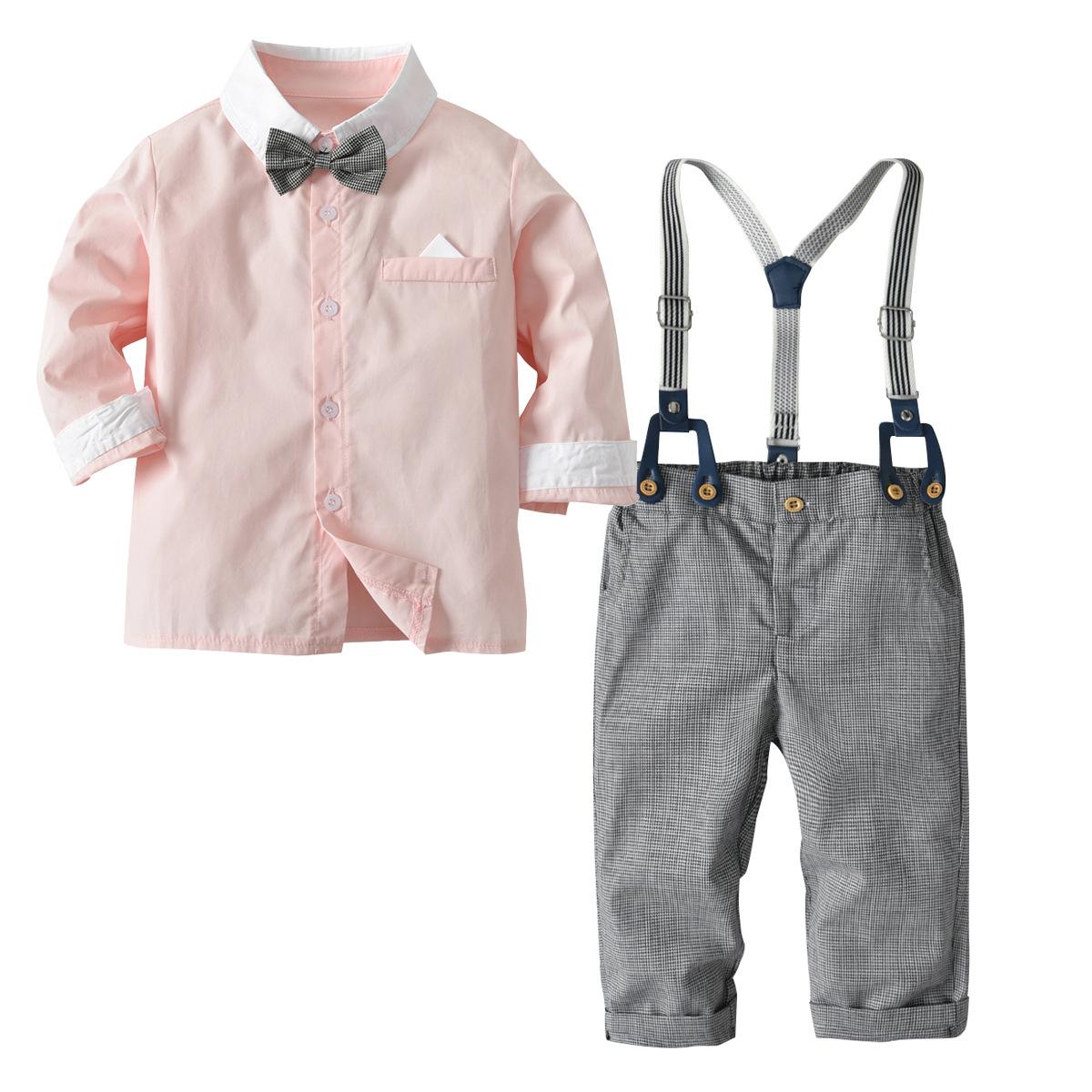Set áo quần cho bé trai gồm áo sơ mi hồng đính nơ và quần dây thắt lưng