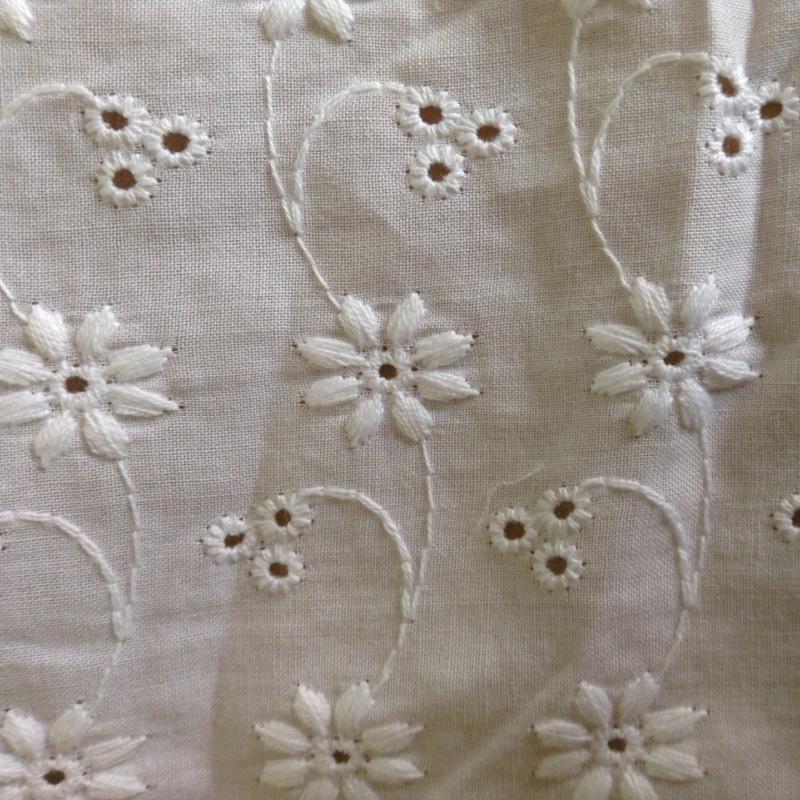 HONGTAI Vải thêu Tùy chỉnh bông khắc lỗ thêu vải trắng Phiên bản Hàn Quốc của quần áo chuyên dụng rỗ