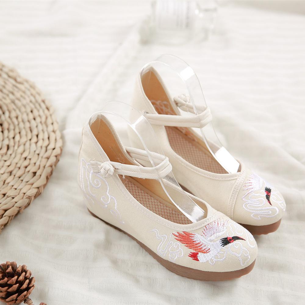 Giày Búp Bê bằng vải thêu dành cho Nữ .
