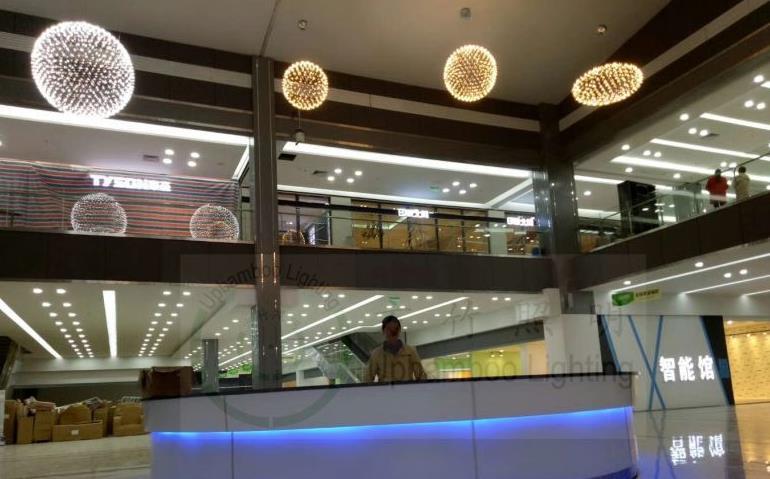 Đèn trang trì Siêu dự án Omicron tùy chỉnh tiền sảnh cửa siêu thị lớn Omicron dẫn bóng treo đèn tia