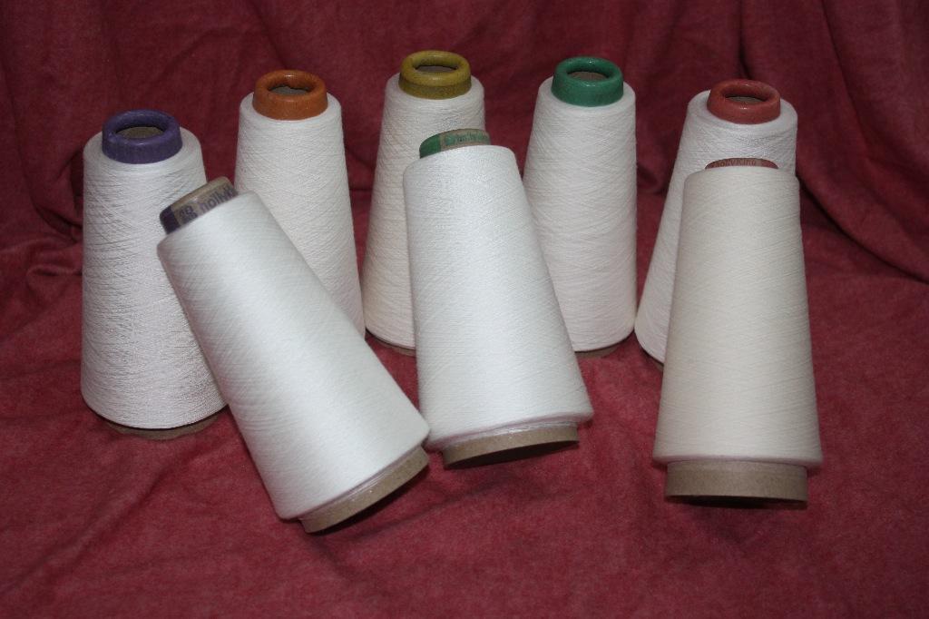 Sợi gai Các nhà sản xuất sợi cung cấp Modal 70 / Linen 30 21s Modal linen pha trộn sợi