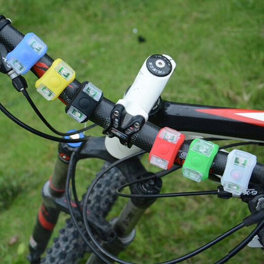 Đèn trang trí đèn cảnh báo an toàn cho xe đạp .
