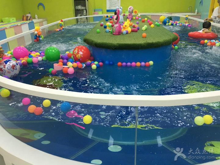 bể bơi trẻ sơ sinh Hồ bơi trong bể bơi trẻ em thiết bị kính bơi quán Hồ bơi trong suốt đường lưu thô