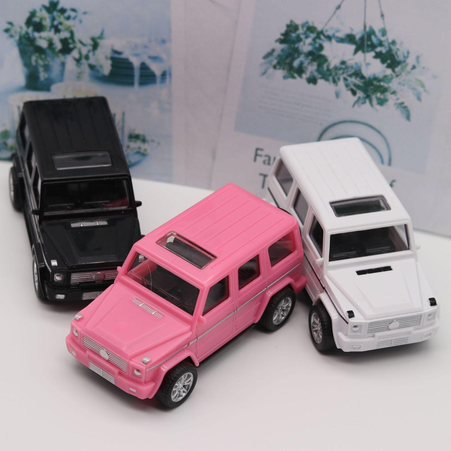 YIKAI Mô hình xe Mô phỏng bằng nhựa Mercedes-Benz kéo xe trở lại Xe off-road trở lại xe Mercedes-Ben