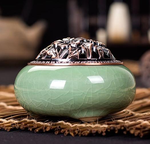 LONGQUAN Lư hương Ngôi sao nghệ thuật Longquan Celadon Hương liệu lò gốm Phật cổ hợp kim bao gồm đốt