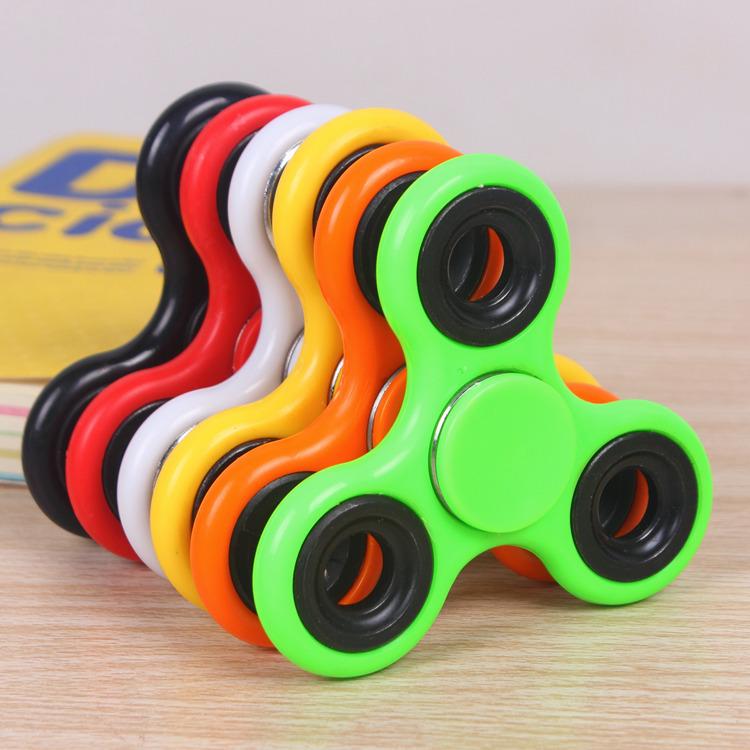 Bông vụ Con quay hồi chuyển ngón tay Con quay hồi chuyển ba lá đồ chơi giải nén sáng tạo Đồ chơi ngó