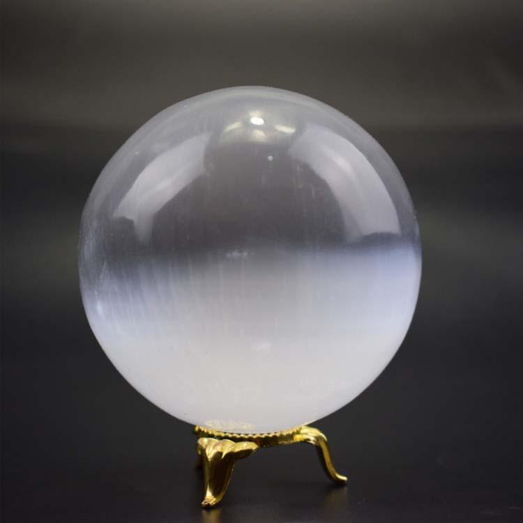 Đồ mỹ nghệ : quả cầu thạch cao tự nhiên , dùng để trang trí văn phòng
