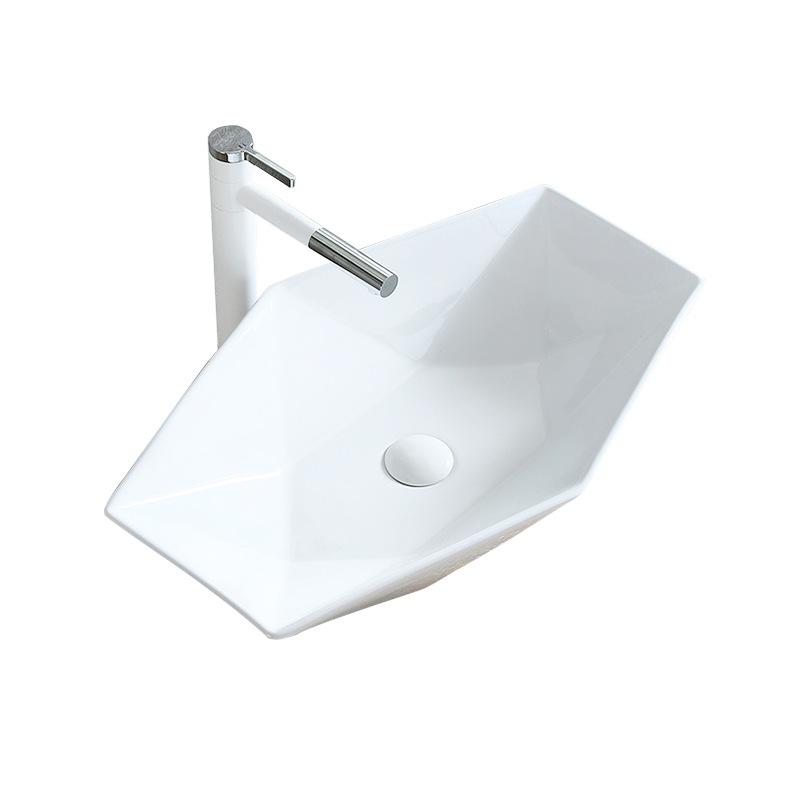Nội Thất phòng Tắm : Bồn Rửa Mặt Tấm gốm nghệ thuật hình đa giác .