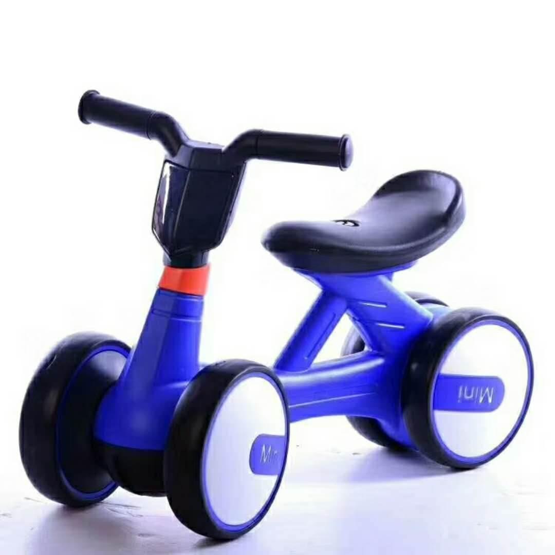 Xe đạp tập chạy 4 bánh cân bằng màu xanh dương
