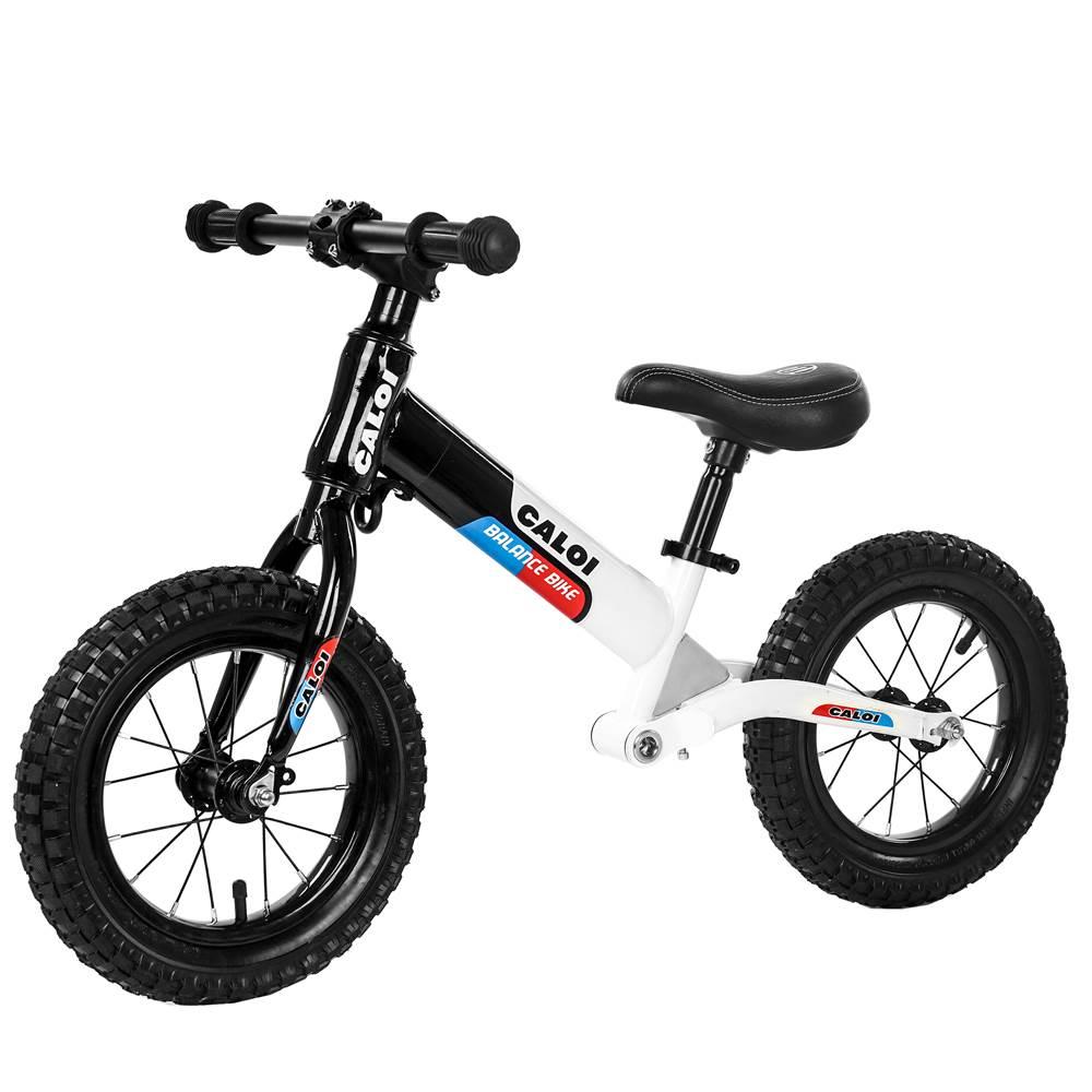 xe đồ chơi : xe chòi chân dành cho bé từ 1-4 tuổi .