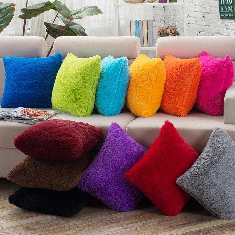 Gối Đệm Sofa sáng tạo với hình dáng hiện đại và sang trọng .