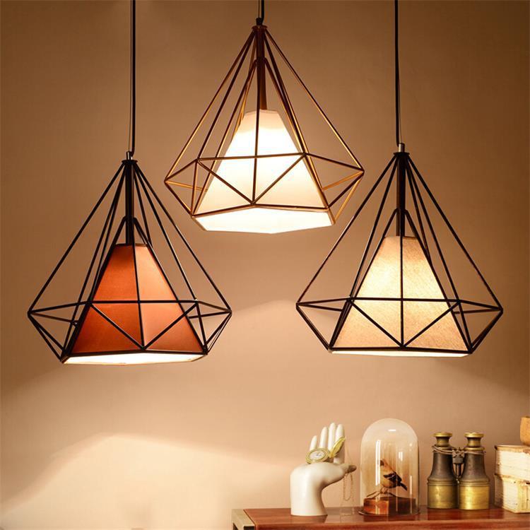 Đèn treo trần -  đèn chùm kim cương rèn sắt Trang Trí nhìn sáng tạo .