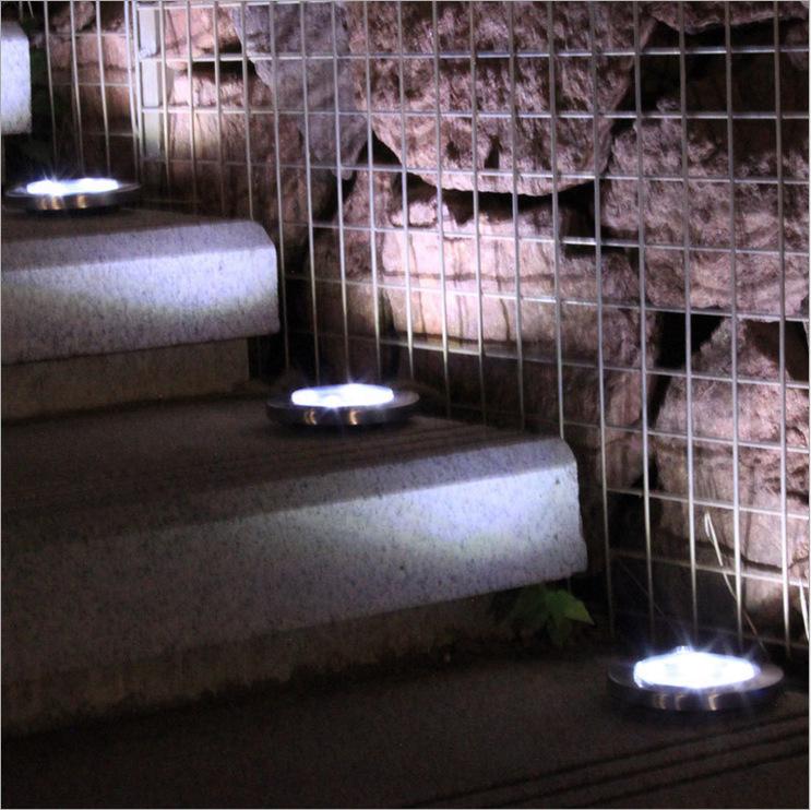 Đèn LED âm đất hình tròn dùng ngoài trời ,dùng năng lượng mặt trời .