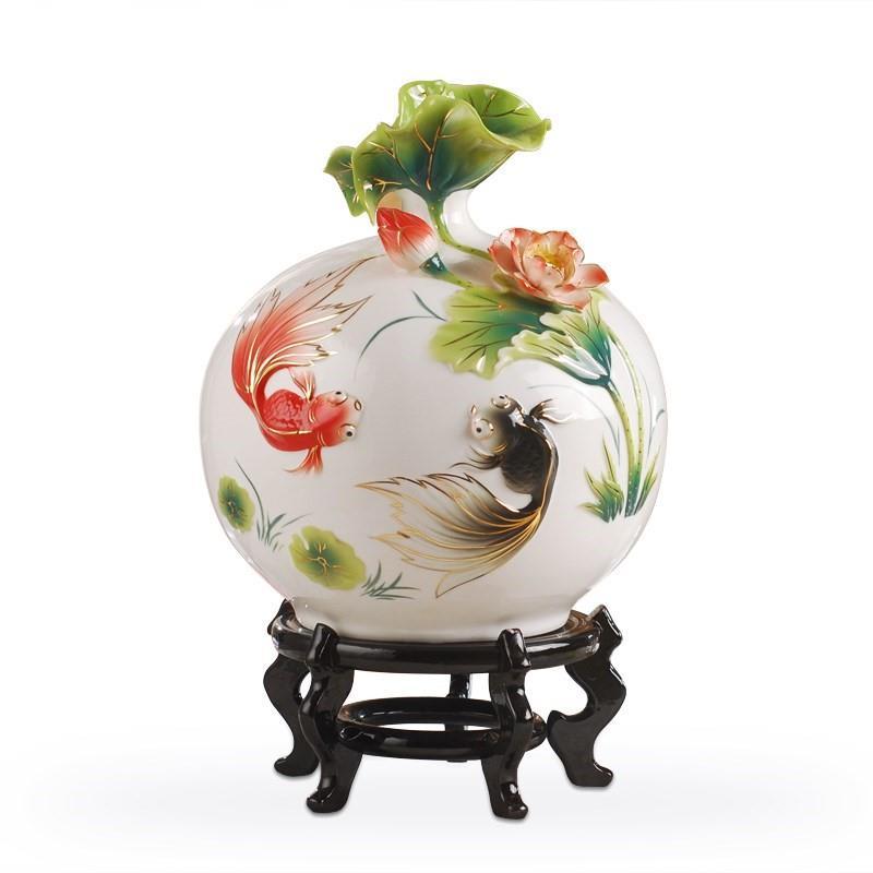 Bình bông chiếc bình gốm hoa trang trí nhà cửa. Sơ đồ vật trang trí phòng khách lớn đấy.