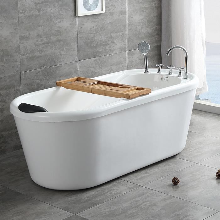 Bồn Tắm Thiết kế đơn giản dành cho phòng Tắm của bạn .