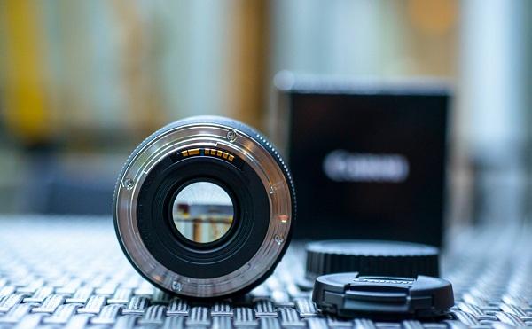Canon   Máy ảnh kỹ thuật số  Ống Kính Canon 50mm f/1.8 STM (Hàng Nhập Khẩu) - Tặng Tấm Da Cừu Lau Ốn