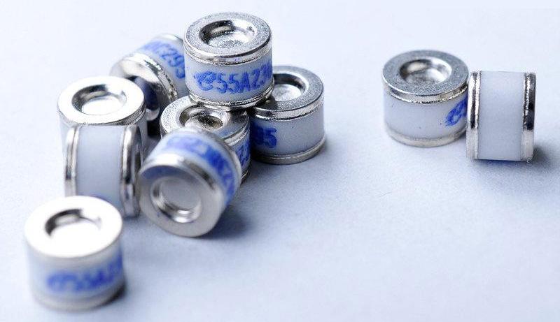 RLY Thiết bị bảo hộ Cung cấp thiết bị bảo vệ ống xả khí gốm BC201N ống xả thủy tinh đầy đủ