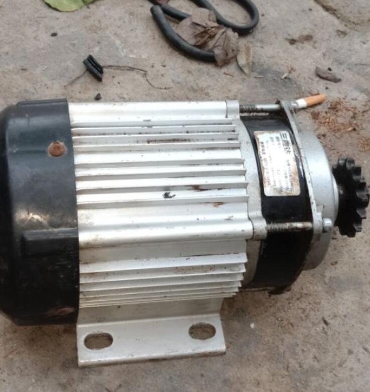 Mô-tơ điện  / Động cơ điện Mô Tơ Giảm Tốc Tháo Ô Tô Điện Công Suất 850w