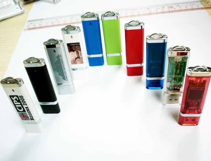 OEM   USB  được nguồn gốc. Nhà sản xuất ổ đĩa USB logo mini bật lửa tàn tật quà 16/8/32g bán buôn