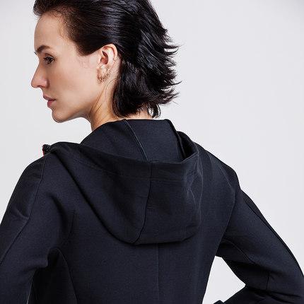 Áo khoác DESCENTE DISANGLAR ĐĂNG KÝ FIT Phiên bản được trang bị Áo khoác nữ đan D7432PFT31
