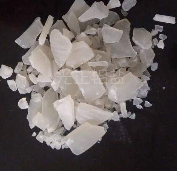Muối vô cơ / muối khoáng Cung cấp sulfat nhôm Foundation muối vô cơ 15.8% làm rõ xử lý nước thải chấ