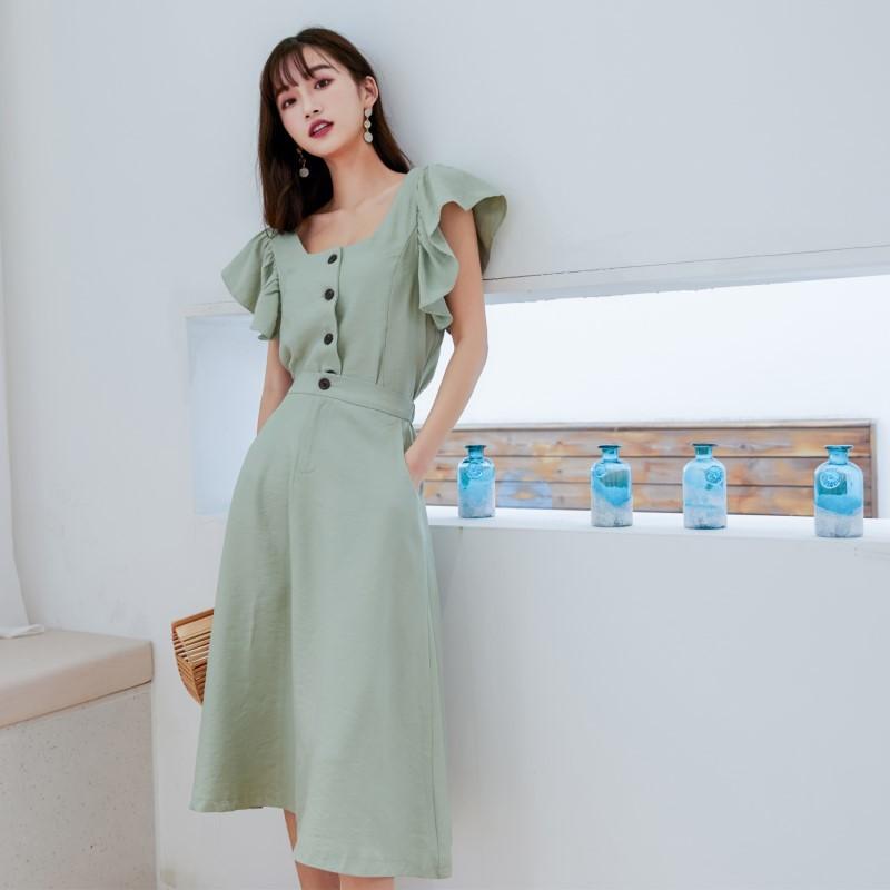 Đầm Mùa hè 2019 mới của phụ nữ thời trang hoang dã xù lông vuông cổ bằng gỗ váy hai dây phù hợp với