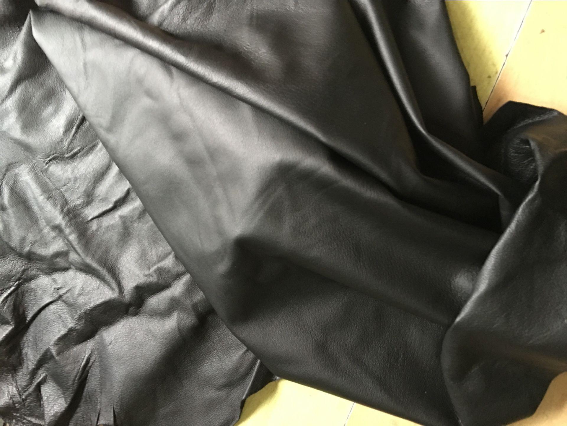 Da heo Quần áo da heo lớp 1 da đen