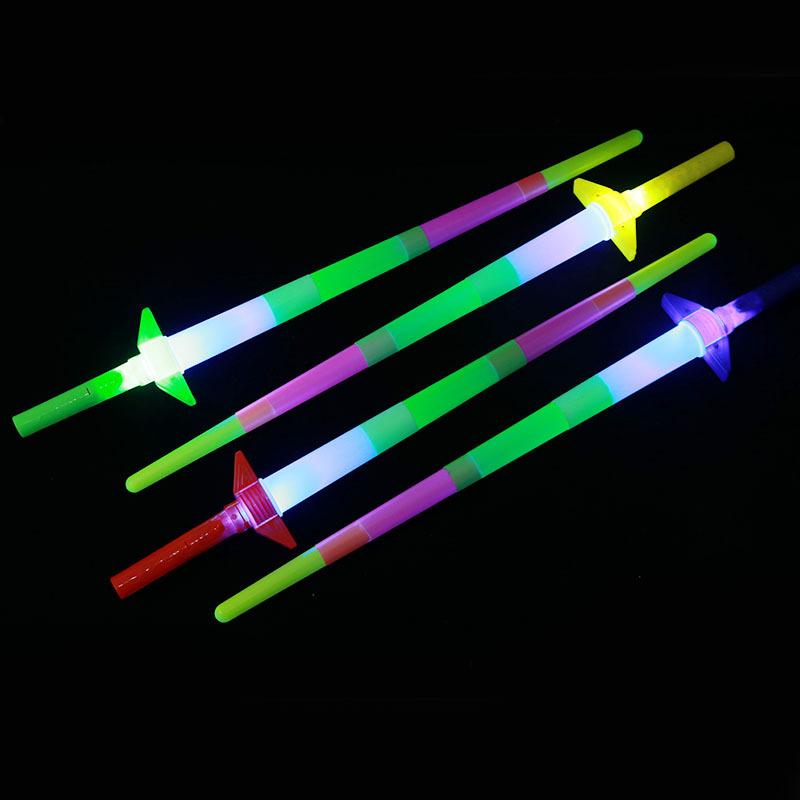 XINYI Đồ chơi phát sáng Quầy hàng bán bốn gậy Đồ chơi trẻ em dạ quang phát sáng kính thiên văn que p