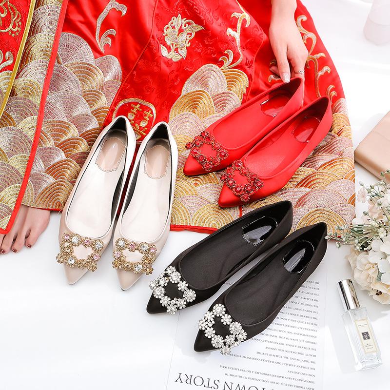 Giày cô dâu Giày cưới mùa xuân và hè 2019 đính kim cương vuông khóa phẳng mũi nông bằng da giày nữ m