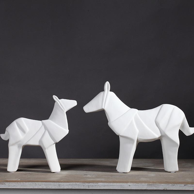 KELIDA Đồ trang trí bằng gốm sứ Bắc đơn giản gốm thủ công sáng tạo TV tủ trang trí ngựa phòng khách
