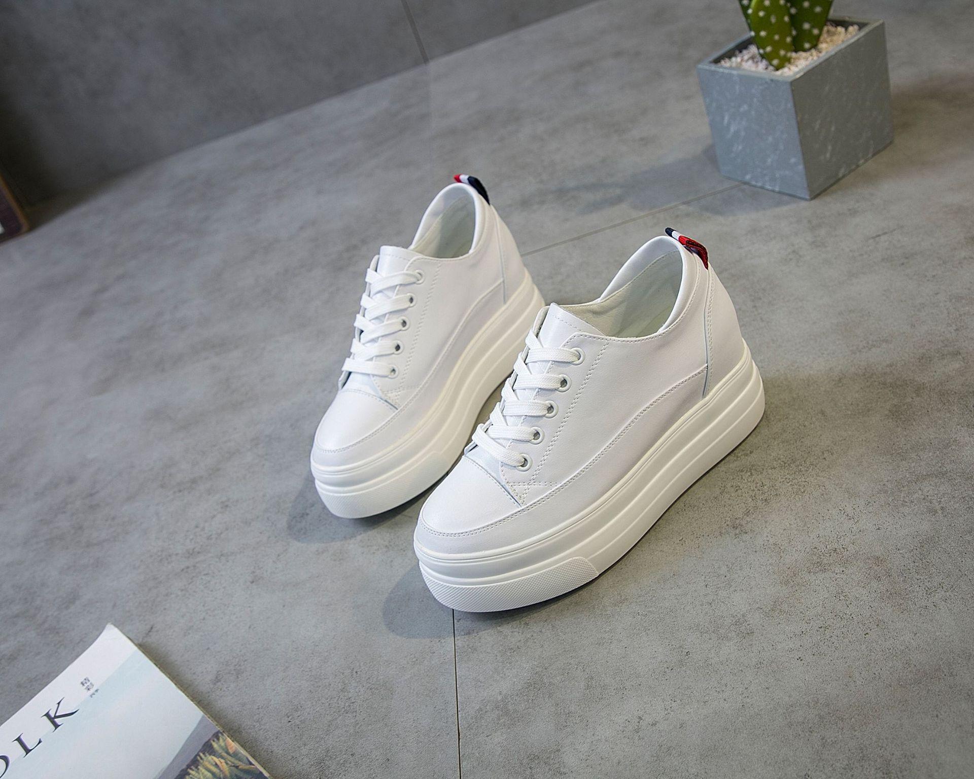 JIADINAMEI Giày tăng chiều cao Giày đế dày màu trắng, giày da, giày nữ cao cấp, 2019, mùa xuân, phiê