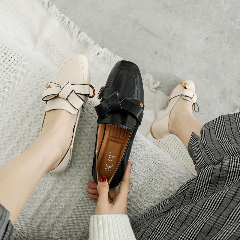 Giày da một lớp Giày nữ cỡ lớn 41-43 Giày đế bằng phẳng Nữ mùa xuân Phiên bản Hàn Quốc của giày đậu
