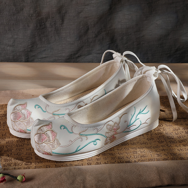 giày bệt nữ Giày phong cách cổ xưa mùa xuân và mùa thu Hanfu tăng giày nữ giày đế xuồng thêu giày đế