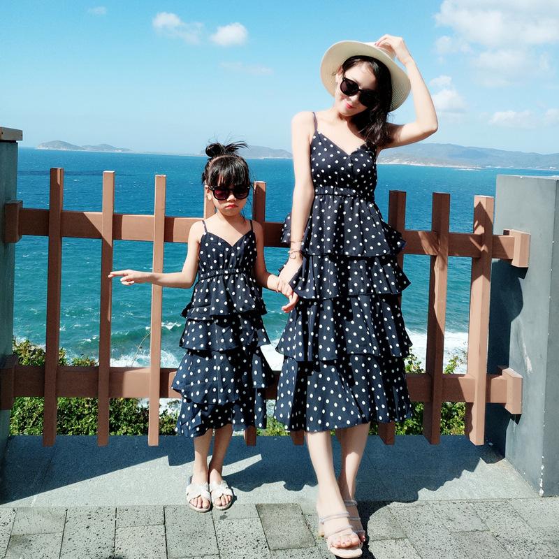 YMLD Áo thun gia đình Mùa hè 2019 mới cha mẹ và con gái cổ tích Bali kỳ nghỉ bên bờ biển dây đeo váy