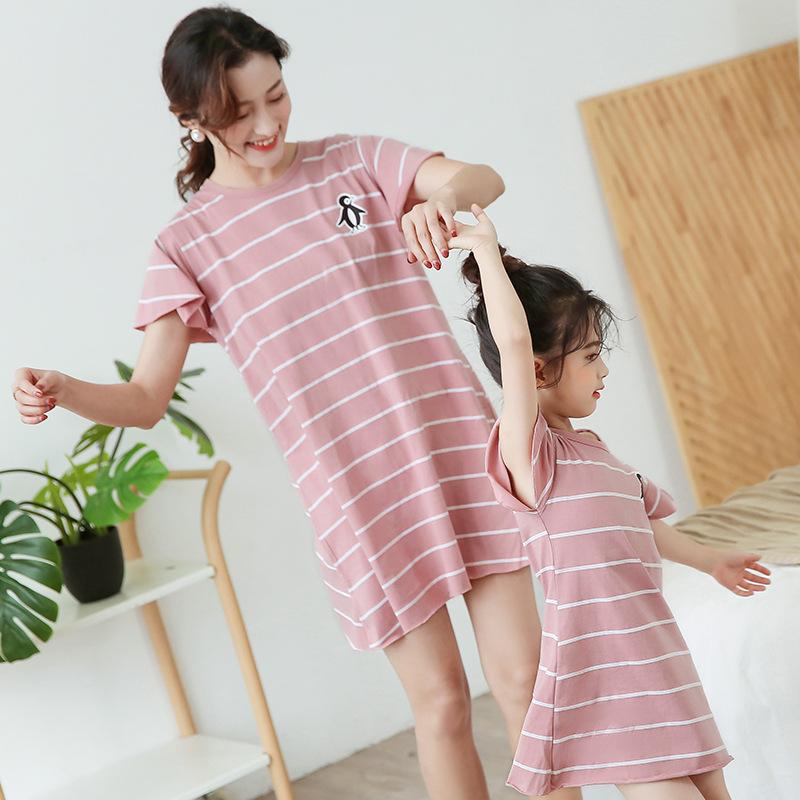 Áo thun gia đình Áo ngủ trẻ em mùa hè cotton ngắn tay mỏng phần bé gái đồ ngủ trẻ em trẻ em mặc mẹ v