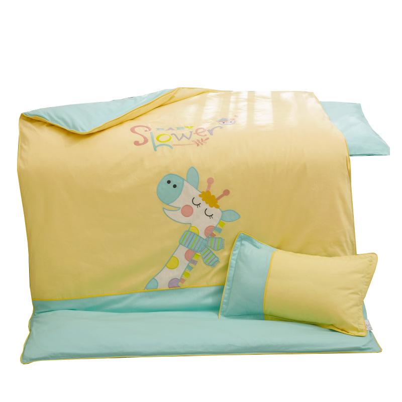TONGBOSHI drap mền Mẫu giáo chăn ba mảnh hoạt hình chăn bông đặt trẻ em ngủ sáu mảnh giường bé vào g