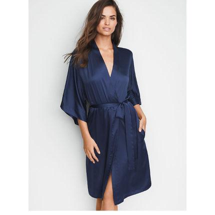 Đồ ngủ VICTORIA'S SECRET Gấp thành 2 mảnh và giảm giá 20% | Áo choàng tắm bằng vải lụa tơ tằm dài sa