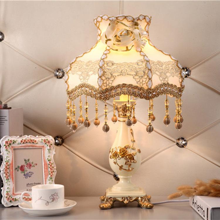 MINGYI Đèn bàn phong cách châu Âu phòng ngủ cạnh giường ngủ thời trang sáng tạo nhà cưới ấm áp