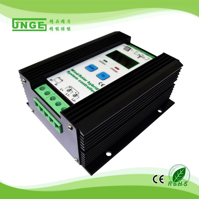 Bộ điều khiển năng lượng mặt trời bổ sung gió và năng lượng mặt trời chính xác 12 / 24V 600W