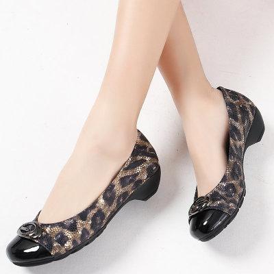 Giày da một lớp Giày da bò hạt rắn bằng sáng chế Giày nữ thoải mái với giày da đầu mẹ Giày nữ ngoại